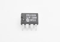 24LC02B-I/P Микросхема